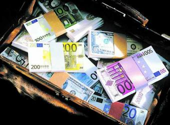 Uno de cada cinco euros en España escapa a los controles